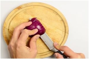 How to cut onion